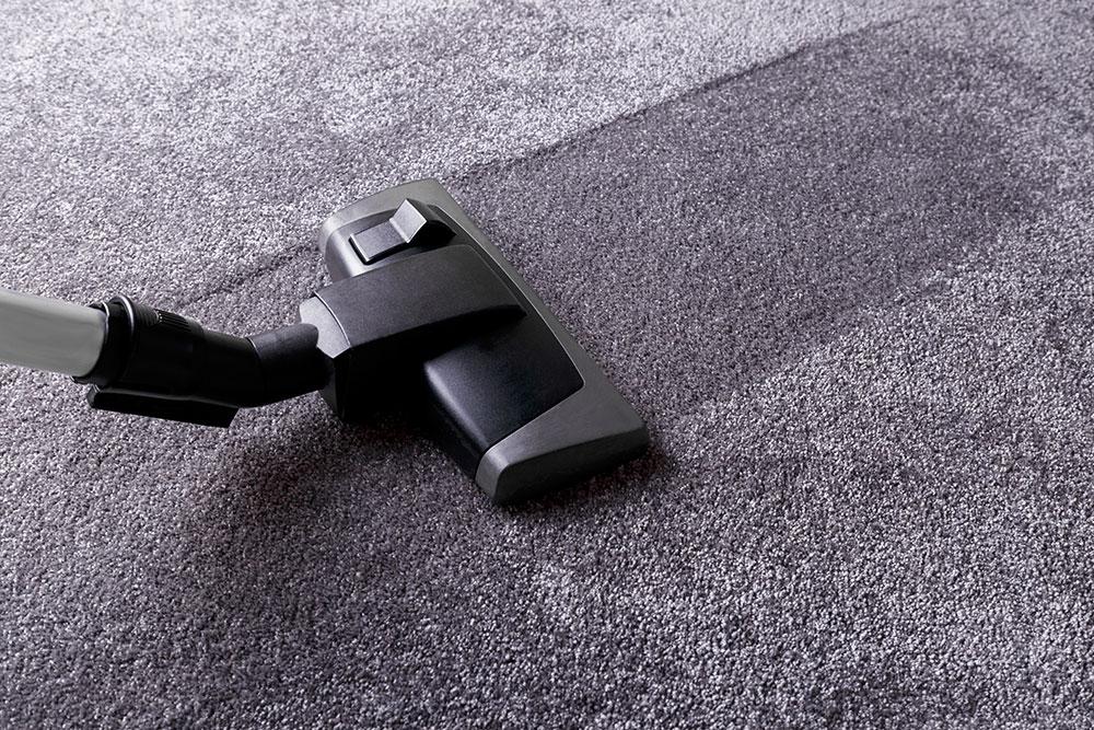 Редовно почистване на килими и мокети